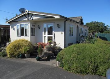 Thumbnail 2 bed mobile/park home for sale in Oakmere Park (Ref 5402), Hanley Swan, Worcester, Worcestershire