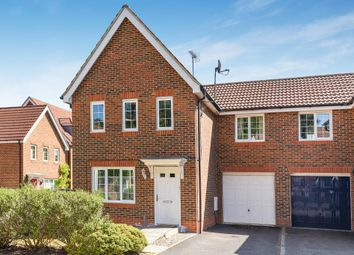 Thumbnail 3 bed detached house to rent in Fresian Way, Winnersh