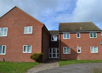 Thumbnail 1 bed flat to rent in Glendale Avenue, Newbury, Berkshire