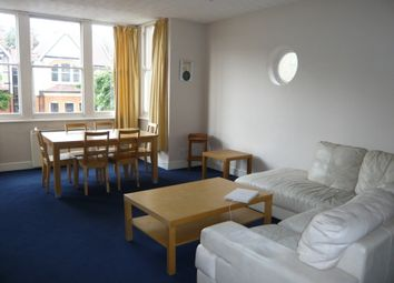 Thumbnail 3 bed flat to rent in Broomfield Avenue, London