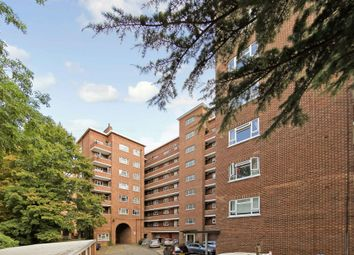 3 bed flat to rent in Cumberland House, Kingston Hill, Kingston Upon Thames, Surrey KT2