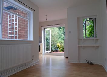 1 bed maisonette to rent in Alexandra Park Road, London N10