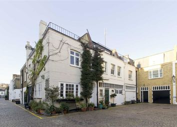 Thumbnail 2 bed property to rent in Queen's Gate Mews, London