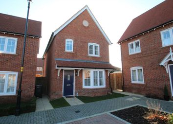 Thumbnail 3 bed detached house for sale in Oakhill Close, Hemel Hempstead