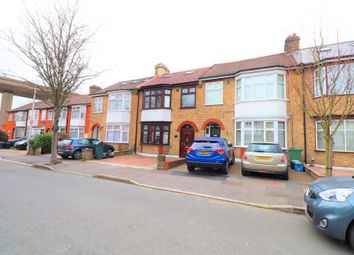 Thornwood Close, South Woodford E18. Studio to rent          Just added