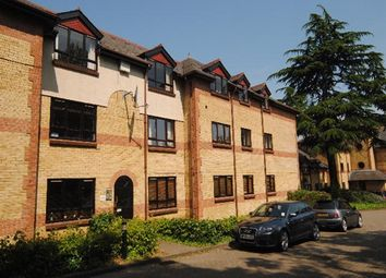 Thumbnail 2 bedroom flat to rent in Brooklands Court, Hatfield Road, St.Albans