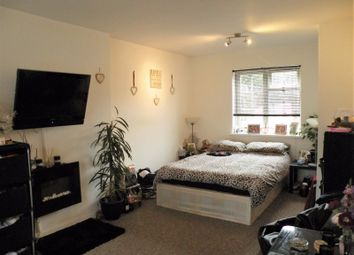 Thumbnail 5 bedroom terraced house for sale in Bradshaws, Hatfield