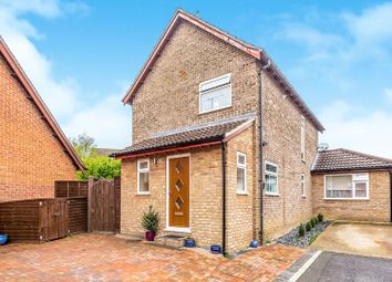 Thumbnail 3 bed detached house for sale in Sarisbury Close, Tadley
