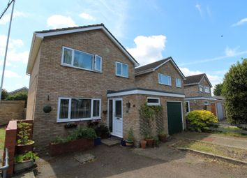 3 bed link-detached house for sale in Thames Drive, Newport Pagnell, Buckinghamshire MK16