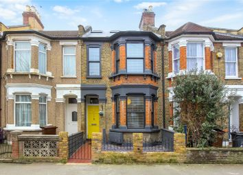 Claude Road, Leyton, London E10. 2 bed flat for sale