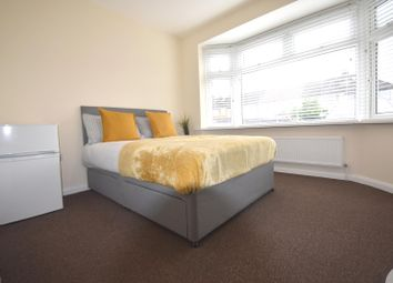 Room to rent in Byron Avenue, Hounslow TW4