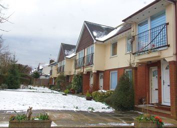 Thumbnail 2 bed flat to rent in Parklands, Chiltern Avenue, Bushey