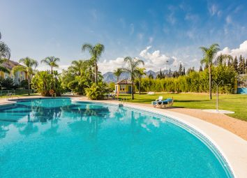 Thumbnail 4 bed apartment for sale in Bahia De Marbella, Marbella East, Malaga Marbella East