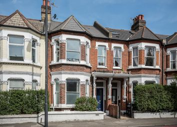 Elspeth Road, London SW11. 2 bed flat