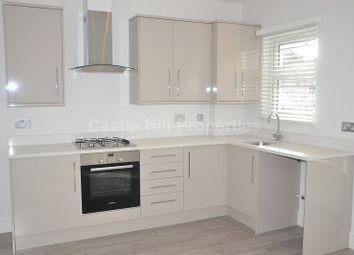 Thumbnail 2 bed flat for sale in Grove Avenue, Hanwell, Greater London.