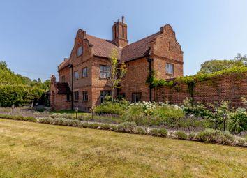 Bagshot Road, Chobham, Woking, Surrey GU24. 4 bed detached house for sale