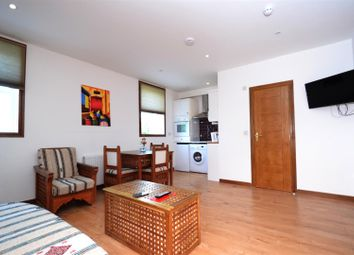 Thumbnail 1 bedroom flat to rent in Kempsford Gardens, Earl's Court