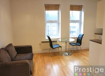 Thumbnail 1 bed flat to rent in Holloway Road, London