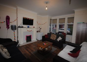 Thumbnail 7 bed terraced house to rent in Estcourt Avenue, Headingley