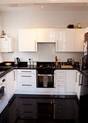 Thumbnail 2 bedroom flat to rent in Dartmouth Park Hill, London
