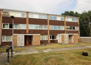 Thumbnail 2 bedroom maisonette for sale in Woodcote Drive, Crofton