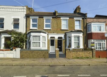 Thumbnail 1 bedroom property to rent in Felixstowe Road, London