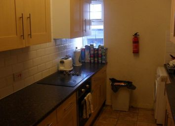 Thumbnail 6 bed flat to rent in Headingley Mount, Leeds, West Yorkshire