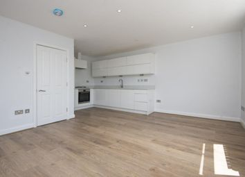 Thumbnail Studio to rent in Lincoln Road, London