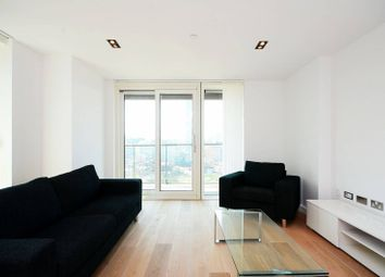 3 bed flat to rent in Bethnal Green Road, Shoreditch, London E1