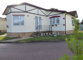 2 bed mobile/park home for sale in Ash Grove, Briar Bank Park, Luton Road, Wilstead, Bedfordshire MK45