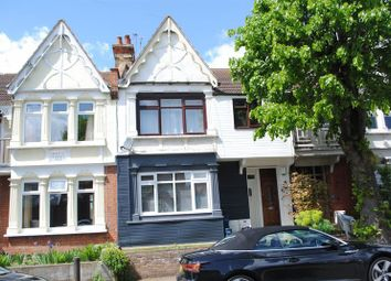2 bed flat to rent in Leighton Avenue, Leigh-On-Sea SS9