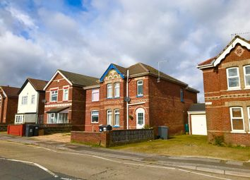 3 bed detached house to rent in Columbia Road, Bournemouth BH10