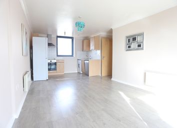 Thumbnail 2 bedroom flat to rent in Bath Road, Cippenham, Slough