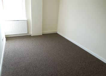 Thumbnail 5 bed flat to rent in Bute Street, Luton