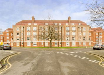 Thumbnail 2 bed flat for sale in Hatfield Mead, Morden