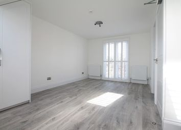 Thumbnail Studio to rent in Chartham Road, London