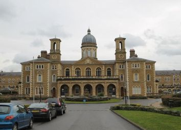 Thumbnail 4 bedroom flat to rent in Princess Park Manor, Royal Drive, Friern Barnet, London