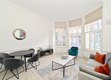 Thumbnail 3 bed flat for sale in Nottingham Place, London