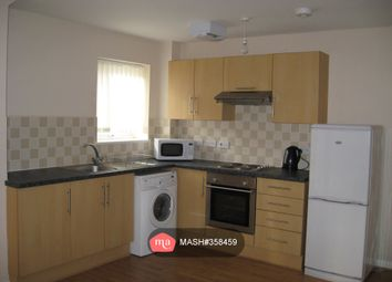 2 bed flat to rent in Hessel Street, Salford M50