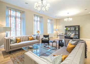 Bell Yard, London WC2A. 2 bed flat
