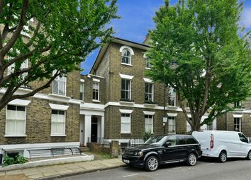Thumbnail 1 bed flat for sale in Richmond Crescent, London