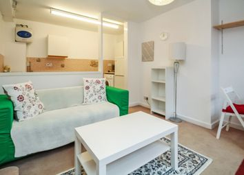 Thumbnail 1 bed flat to rent in Headingley Avenue, Headingley, Leeds
