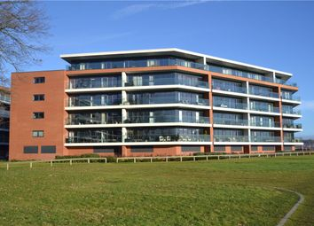 Thumbnail 2 bedroom flat to rent in Racecourse Road, Newbury, Berkshire