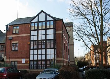 Thumbnail 2 bed flat to rent in Maltings Place, Reading, Berkshire