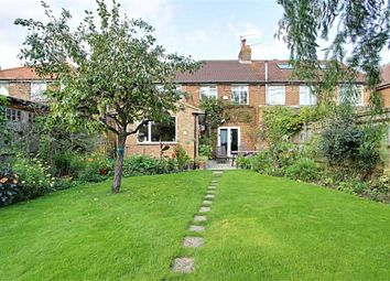 Cow Roast, Tring HP23. 3 bed semi-detached house