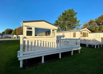 2 bed mobile/park home for sale in Hoburne Holiday Park, Blue Anchor Bay Rd, Minehead, Somerset TA24