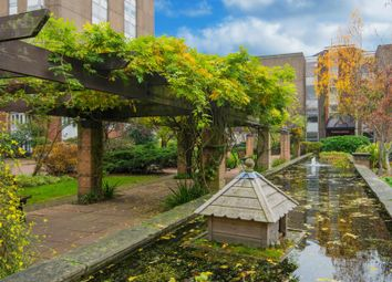 2 bed flat for sale in Peregrine House, Battersea SW11