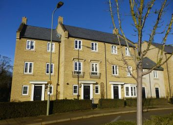 3 bed property for sale in Whitelands Way, Bicester OX26