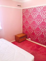Thumbnail 2 bed flat to rent in Shaftesbury Avenue, Hounslow
