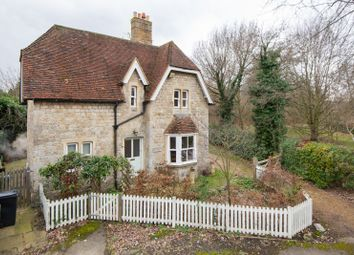 Thumbnail 3 bed detached house to rent in Willington Street, Maidstone